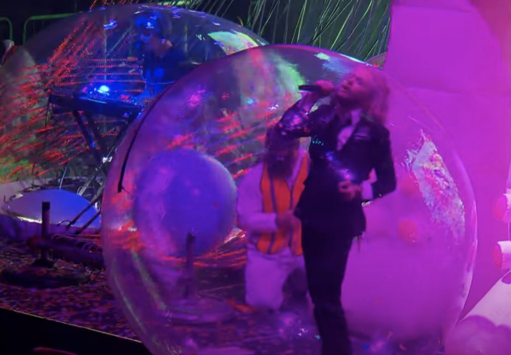 Flaming Lips Break Down 'Space Bubble Concert' on 'CBS Sunday Morning'