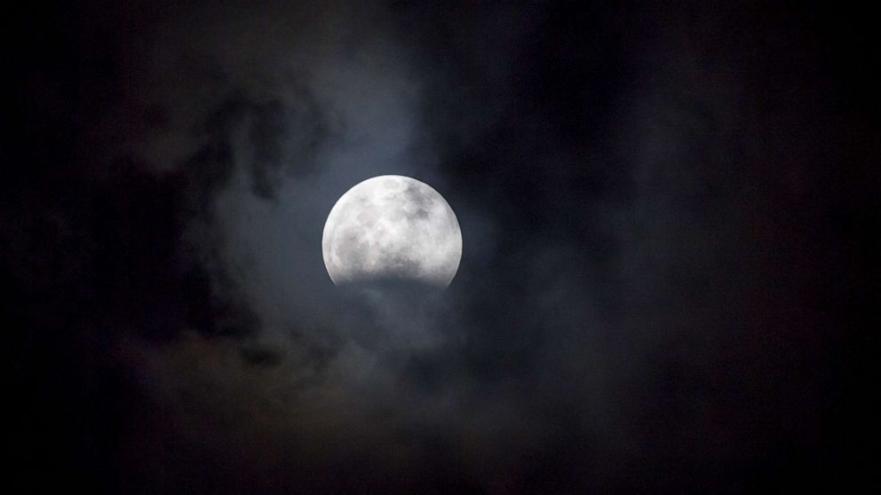 How to see the 'Super Flower Blood Moon,' 1st lunar eclipse of this decade