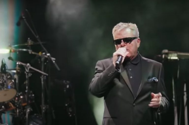 Madness Perform Classic 'Out House' on 'Kimmel'