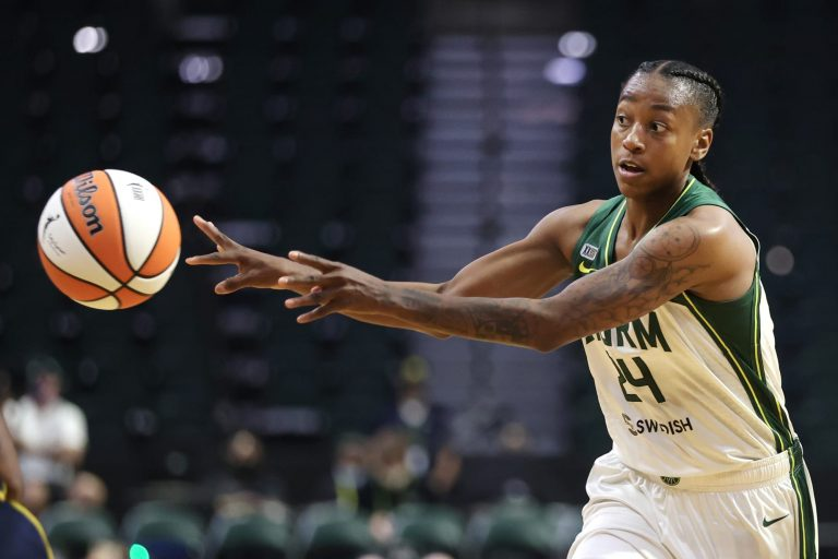 Jewell Loyd and the Seattle Storm are cooking