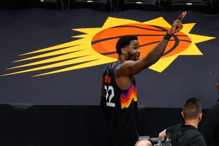 Deandre Ayton, Trae Young shine in Conference Finals debuts