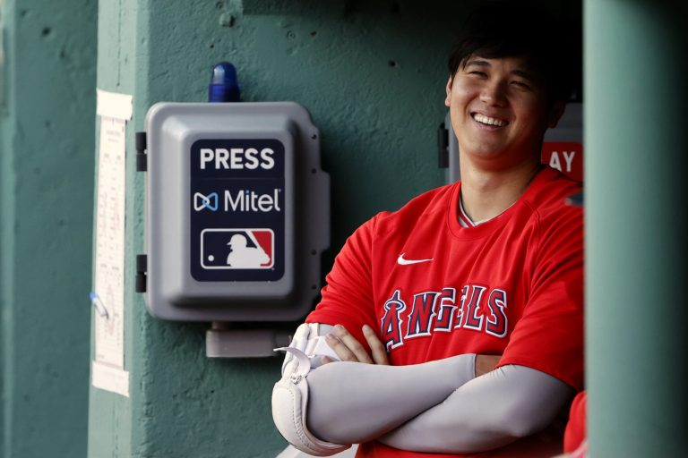 Shohei Ohtani's hilarious reaction to balk call is going viral (Video)