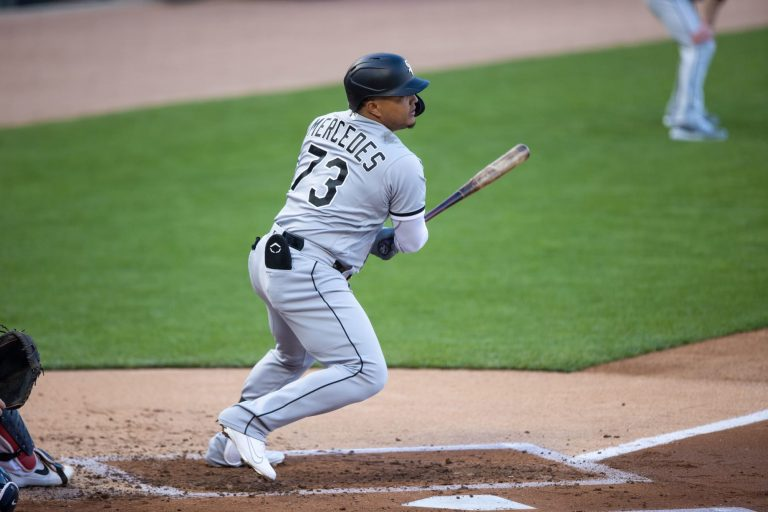 Yermin Mercedes doesn't need to swing 3-0 to walk off the Tigers (Video)