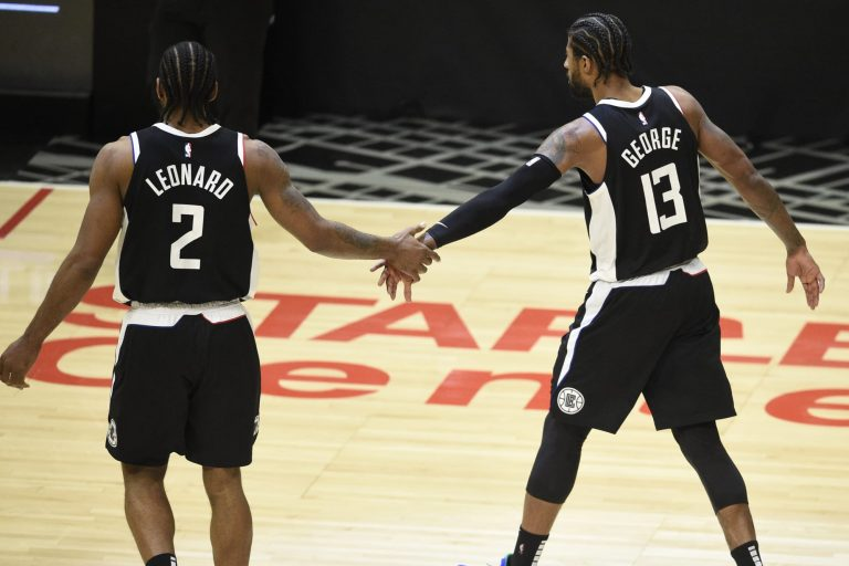 Kawhi Leonard out for Game 5, possible rest of series, with knee injury