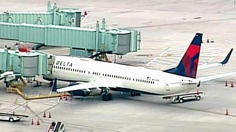 Delta Air Lines: A passenger tried to breach the cockpit of a flight to Nashville, forcing the plane to make an emergency landing