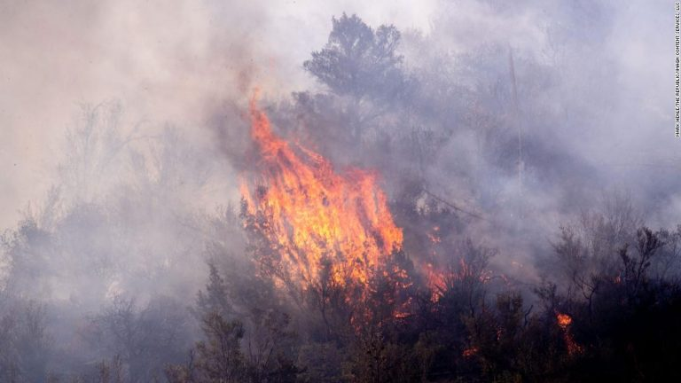 Arizona fires: The area around Telegraph and Mescal wildfires is so dry, firefighters' heavy equipment is causing small flareups