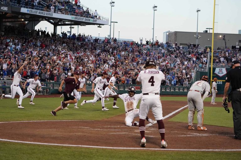 Mississippi State walks off and into the finals