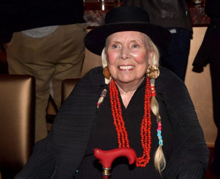 LOS ANGELES, CALIFORNIA - NOVEMBER 10: Joni Mitchel attends the Jazz Foundation honors Joni Mitchell And Wayne Shorter at Vibrato  on November 10, 2019 in Los Angeles, California. (Photo by Lester Cohen/WireImage)