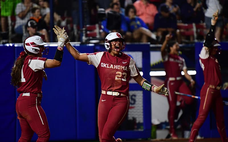 Oklahoma, Florida State win twice to stay alive