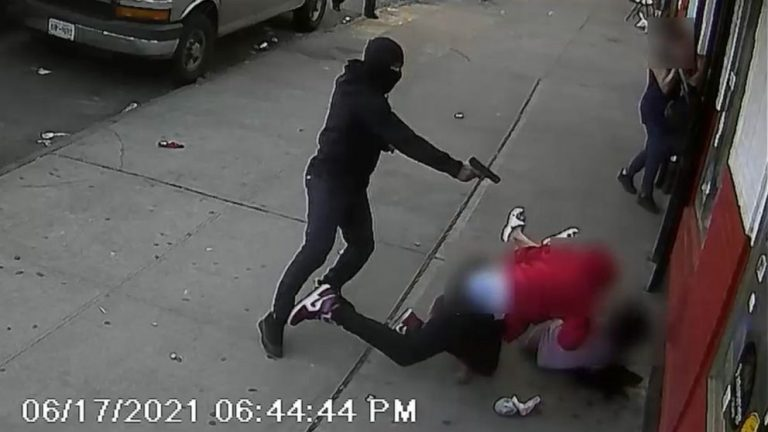Suspect who narrowly missed shooting 2 children in the Bronx has been arrested
