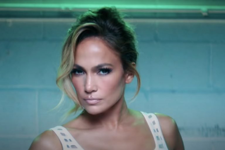 Jennifer Lopez, Ricky Martin Appear in 'Behind the Music' Trailer