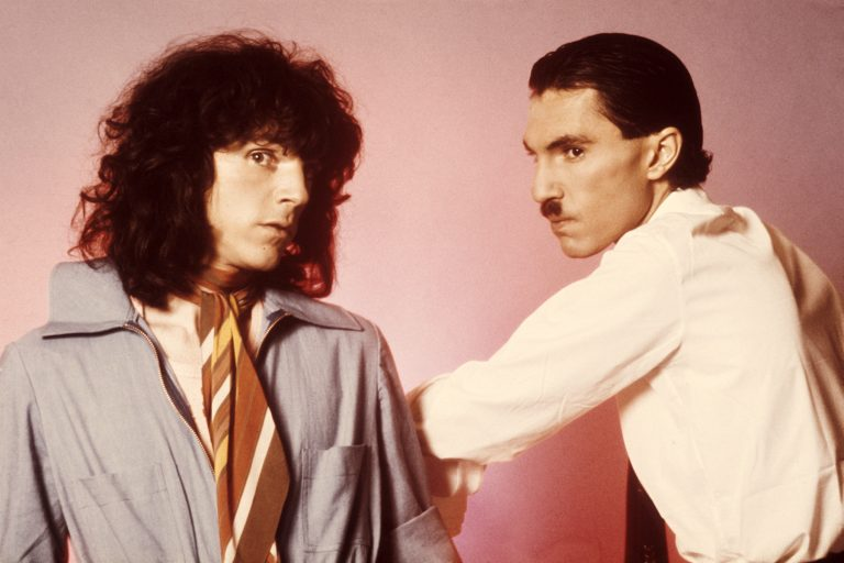 Brothers Ron (right) and Russell Mael of American rock group Sparks, March 1975. (Photo by Michael Putland/Getty Images)