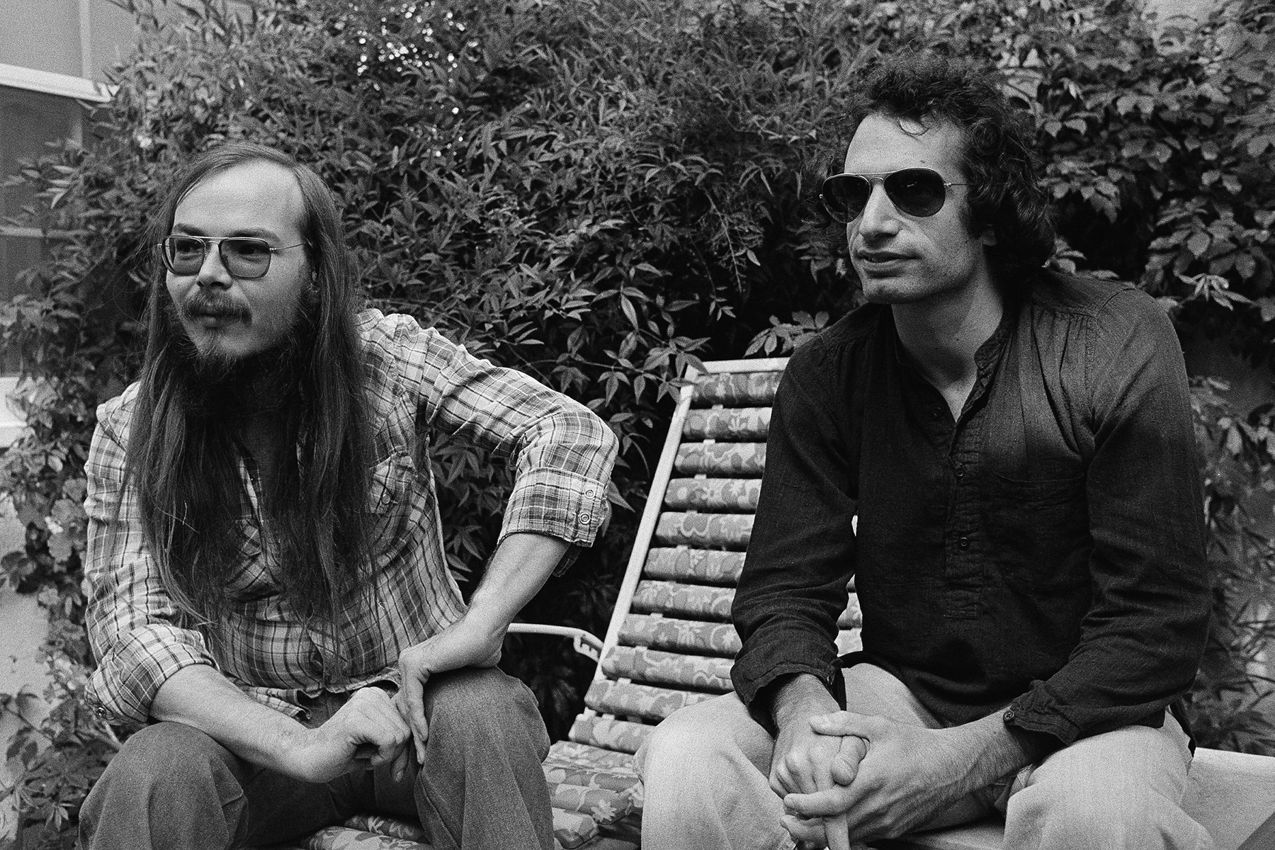 """Walter Becker, left, and Donald Fagen are Steely Dan, shown in Los Angeles, Oct. 29, 1977. They say they've never really produced commercial music - music conceived and packaged strictly with an eye on the charts. """"Aja,"""" their first album in nearly two years, is experiencing brisk sales. Their music is not in the form of jazz, nor is it a technical fusion of rock and jazz - it's solid rock made with the free light spirit of jazz. (AP Photo/Nick Ut)"""