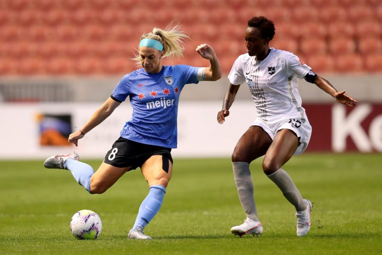 Julie Ertz gives credit to husband Zach Ertz for her MCL recovery