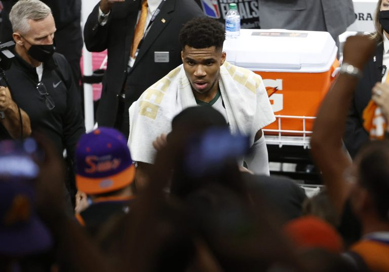 Giannis admits free-throw chants from Suns' fans are in his head