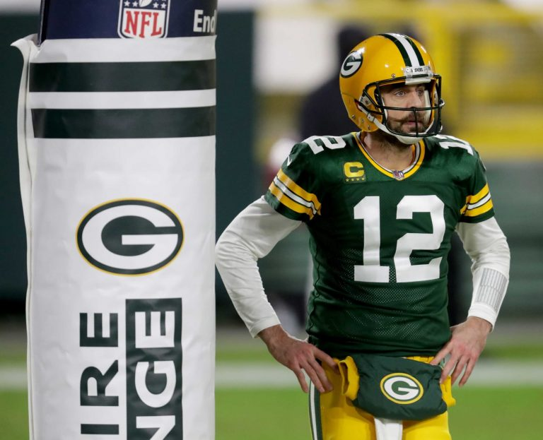 Aaron Rodgers reportedly turned down contract extension from Packers