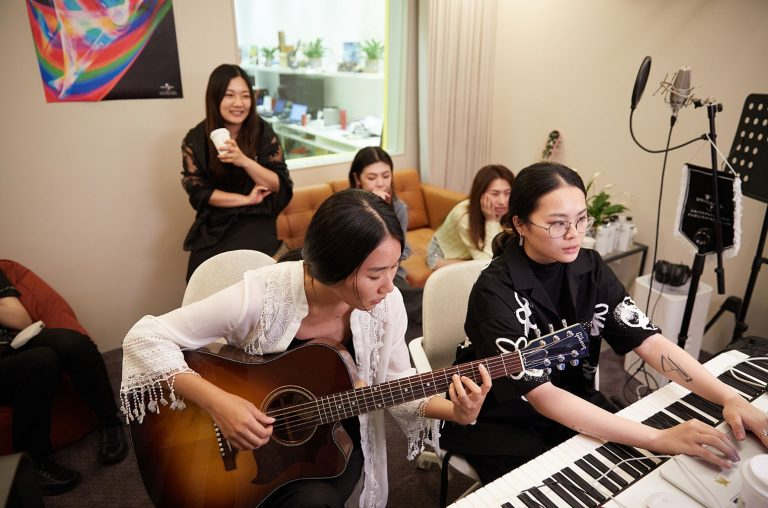 UMP China Holds All-Female Songwriting Camp