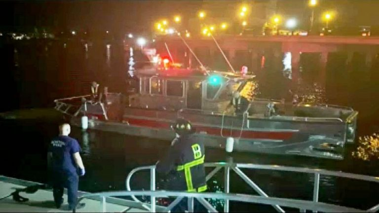 1 dead, 7 rescued after Boston Harbor boating accident