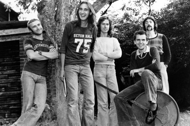 """1972:  (L-R) Drummer Phil Collins, guitarist Mike Rutherford, keyboard and guitarist Tony Banks, singer Peter Gabriel, and drummer Steve Hackett of the progressive-rock group """"Genesis""""pose for a portrait in 1972. (Photo by Michael Ochs Archives/Getty Images)"""