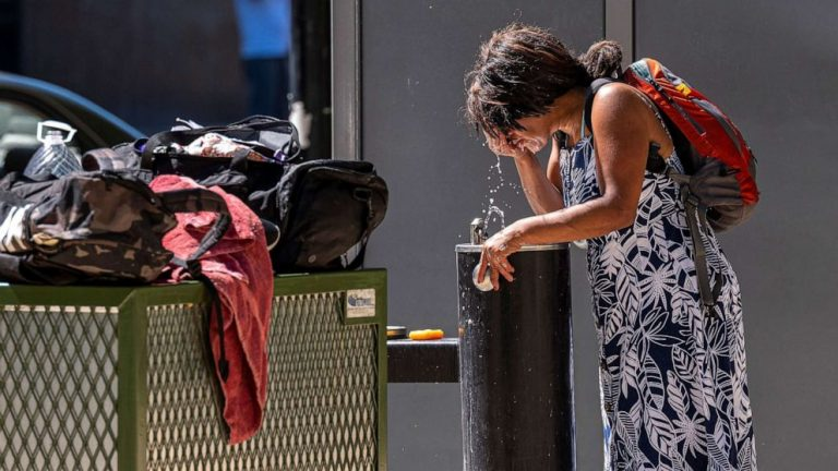 Millions in West still threatened by 'dangerously' hot temperatures