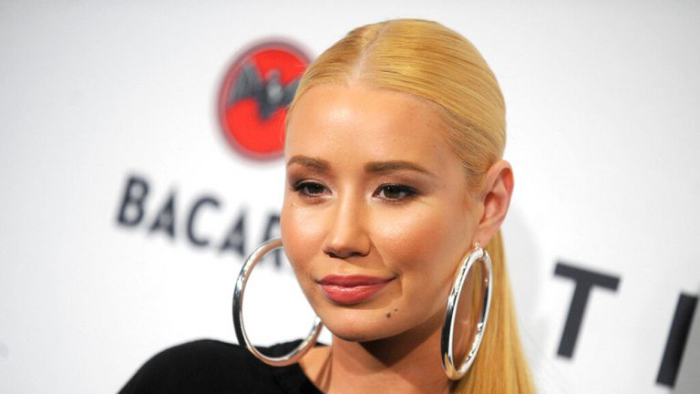 Iggy Azalea Alleges Britney Spears' Father Made Her Sign NDA