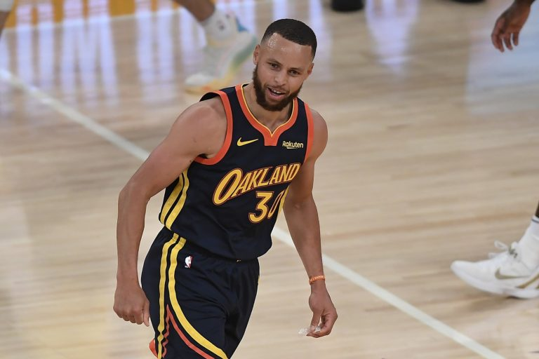 Steph Curry congratulates Lionel Messi's taste with move to PSG (Photo)