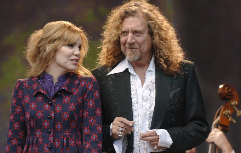 Robert Plant and Alison Krauss reunite to announce new album 'Raise The Roof'