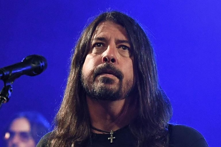 Listening to Nirvana's 'In Utero' Makes Dave Grohl's 'Skin Crawl'