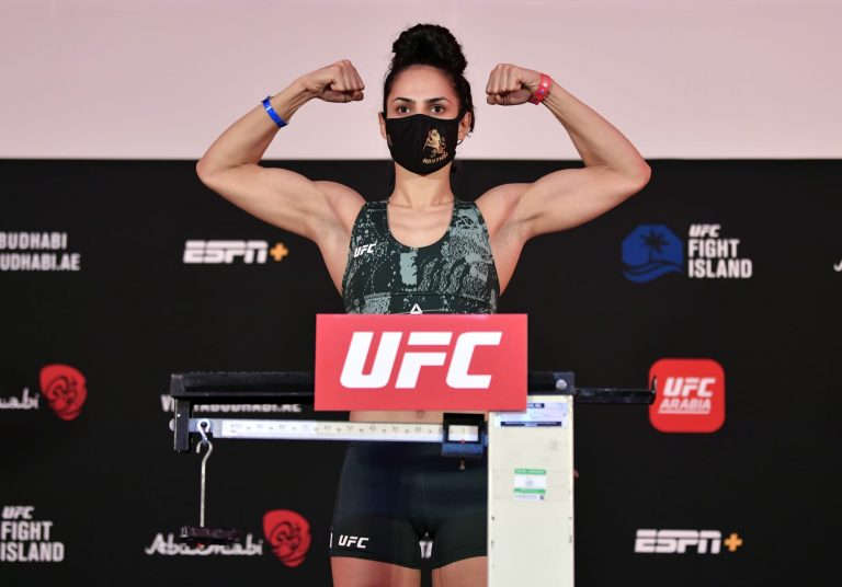 Ariane Lipski hopes to grow from losses, training at American Top Team