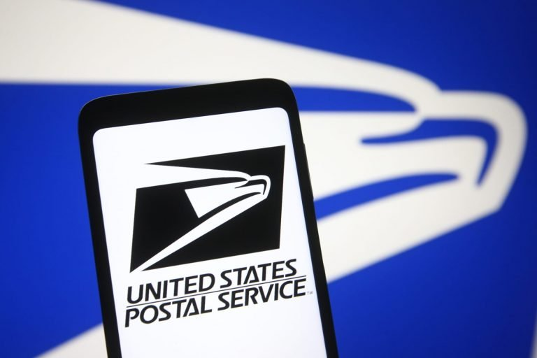 Does the United States get mail delivered on Labor Day?