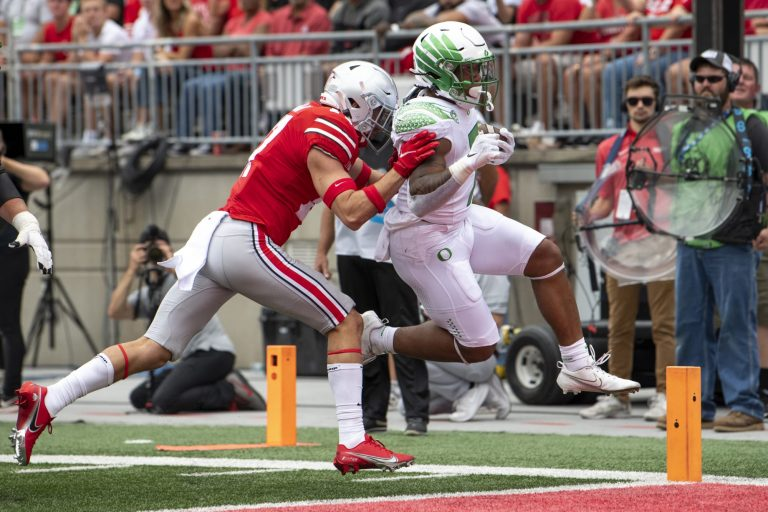 Oregon's CJ Verdell joins race, Iowa State duo fades