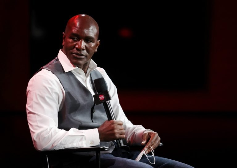 What time is the Evander Holyfield vs. Vitor Belfort fight?