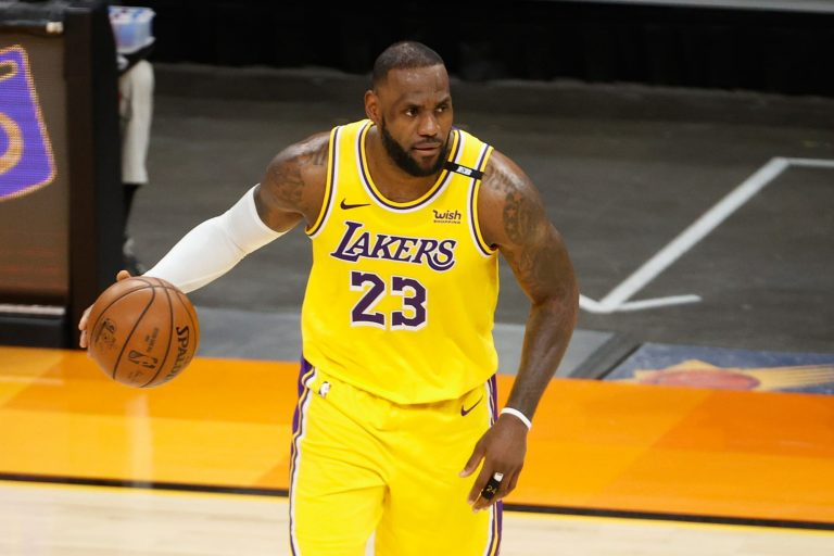 What is Bibigo, the new Los Angeles Lakers' jersey sponsor?