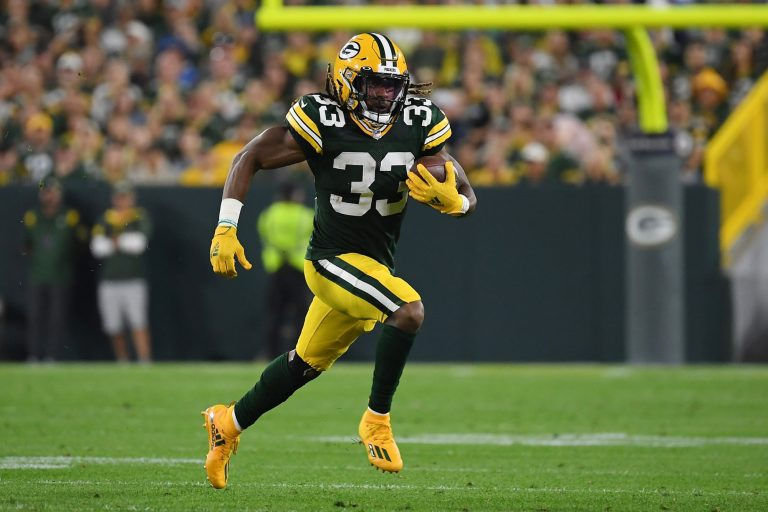 Aaron Jones tweets note about finding father's ashes