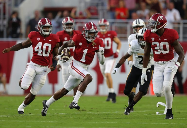 Alabama football holds record for consecutive quarters holding a lead