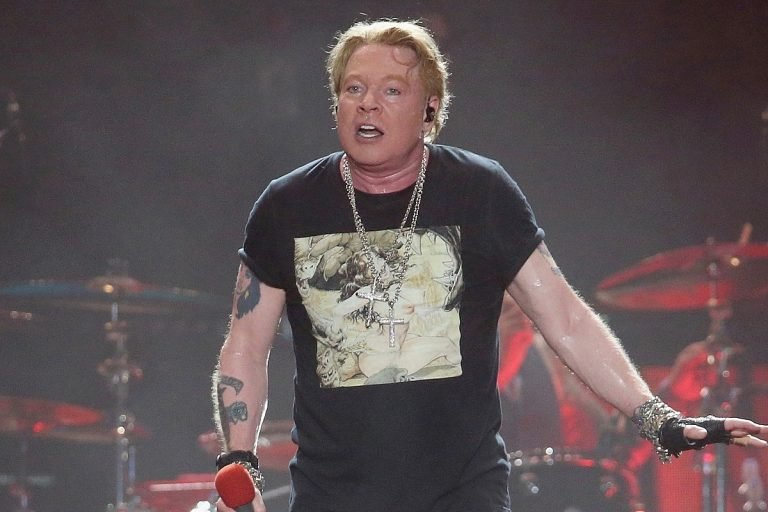 Axl Rose Guts Out GN'R's Wrigley Field Show Amidst Food Poisoning