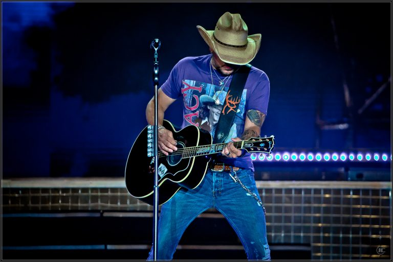 """Jason Aldean Is """"Back In The Saddle"""" Delivering A Must-See Tour in 2021"""